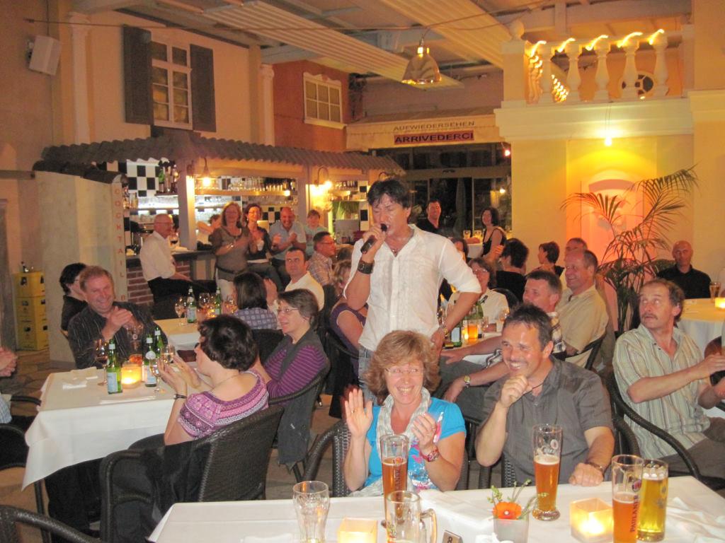 Julian Frank als Star- und Überraschungsgast bei Giuseppe Bissanti %222 Jahre Adler Ottersweier%22 1. Mai 2010