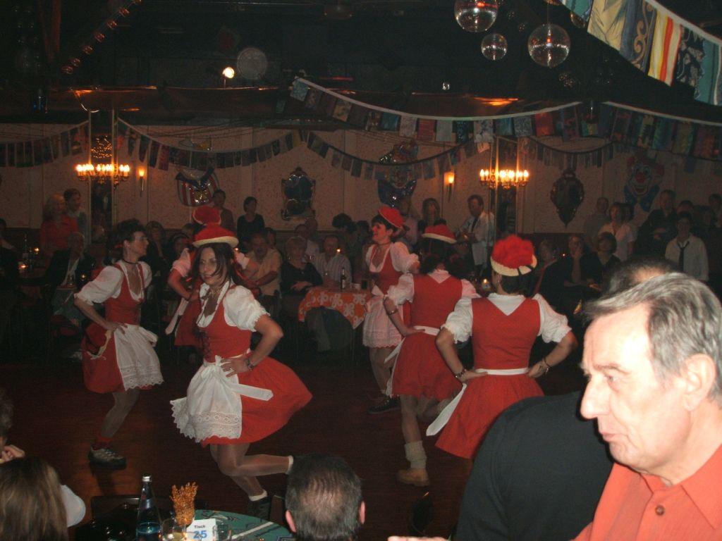 Auftritt der %22Schwarzwaldmädels%22 im Tanzrestaurant Lauinger, Malsch. 2007