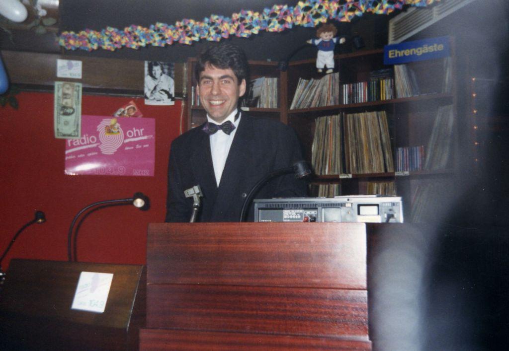 Discjockey Claudio- Silvester 1992 im Hexenkeller Kappelrodeck